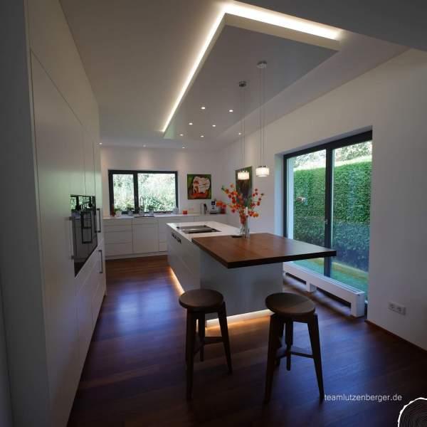 Küche_modern_Sitzecke