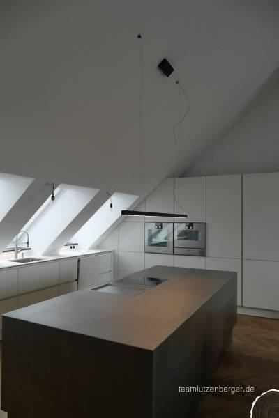 Kücheninsel mit Beleuchtung